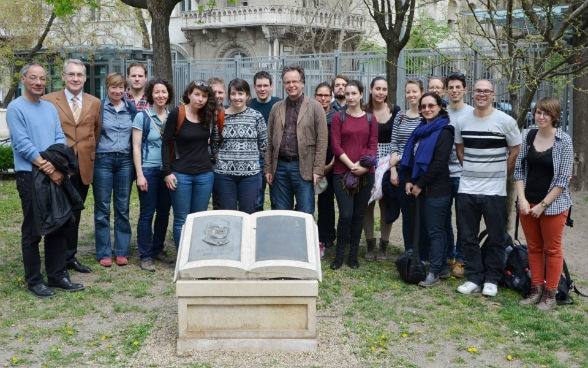 A group of students of the University of Fribourg and the Swiss Ambassador visited the Carl Lutz monument