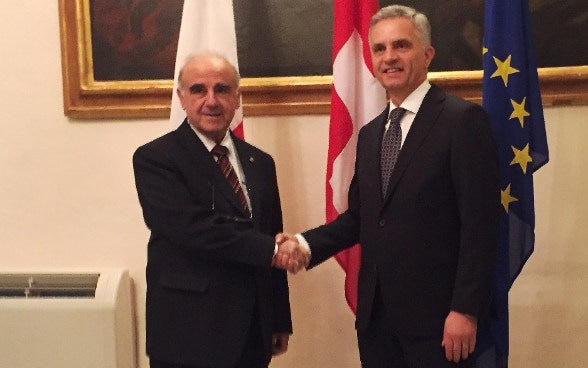 Federal Councillor Didier Burkhalter with the Maltese Minister of Foreign Affairs, George W. Vella. © FDFA