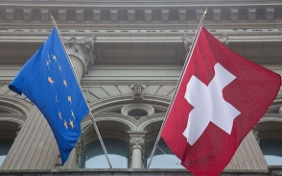 Flags of Switzerland and the European Union  © FDFA