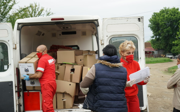 Food and hygiene packages delivery in Kolubara and Macva districts