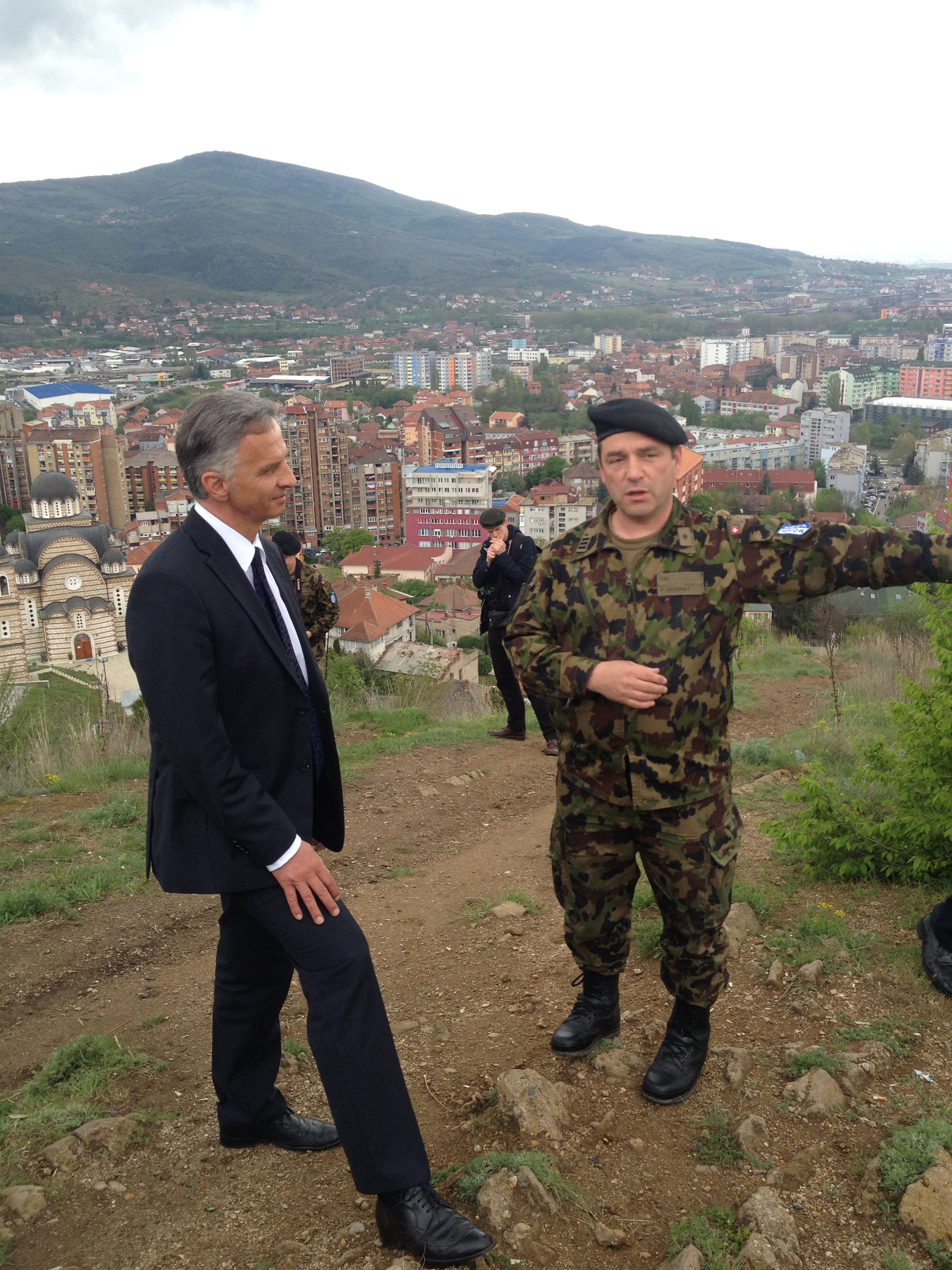 President of the Confederation Didier Burkhalter and Colonel Patrick Gauchat speak about the activities of Swisscoy in Northern Kosovo
