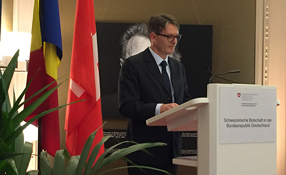 The new chairman of the IHRA, FDFA Secretary General Benno Bättig, gives a speech at the Swiss embassy in Berlin on 7 March 2017.